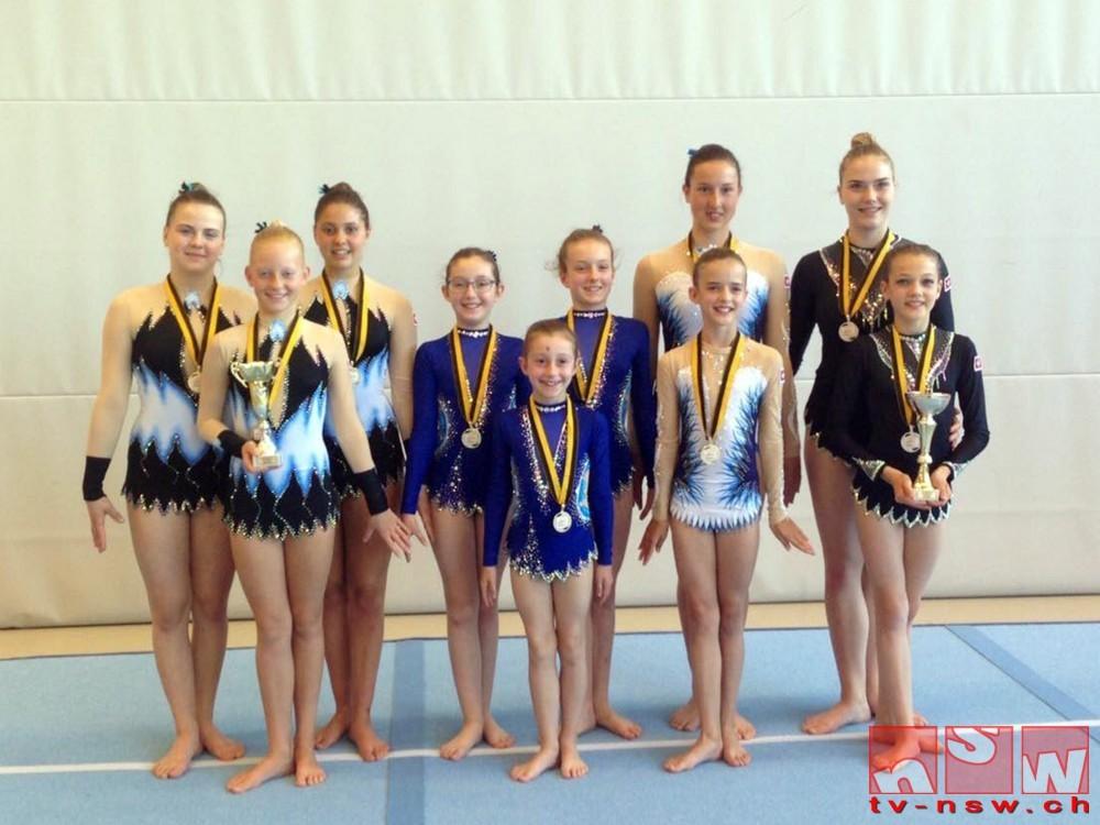 Verbandsmeisterschaften 2017 im Akrobatikturnen mit Medaillen