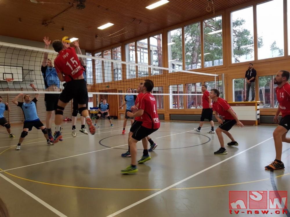 Volleyball-Derby Herren, siegreiche Damen und Fanapéro 2017