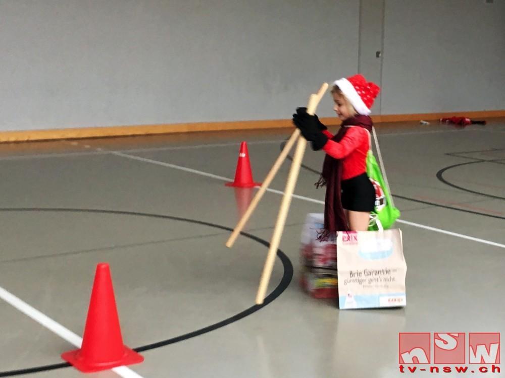 Spiel, Tanz und Basteln am Weihnachtsturnen 2016